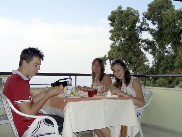 Frokost Alanya, Signy, Sølvy og Glenn
